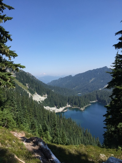 Glacier Lake (Alpine Lakes Wilderness, WA)