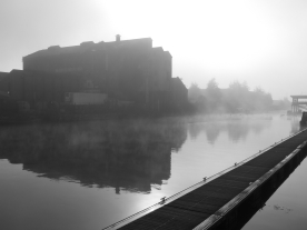 Foggy canal morning (Gloucester, England)