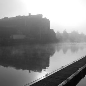 Foggy canal morning (Gloucester, England)